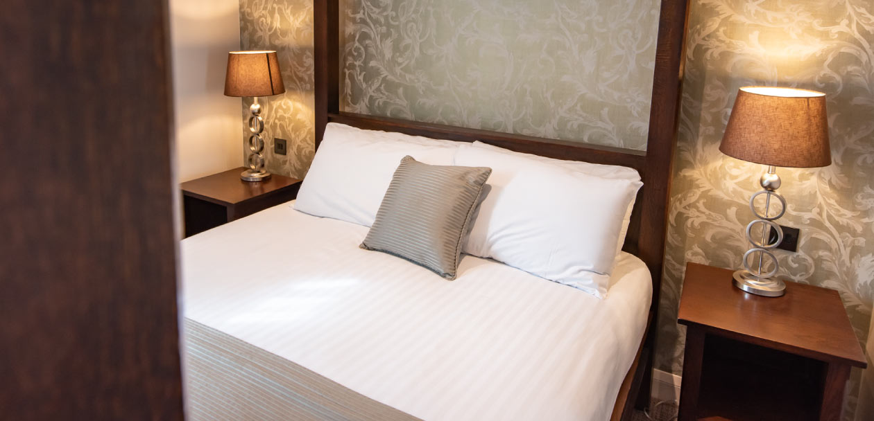 The hogs back hotel & spa luxurious rooms